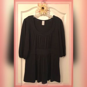 Tops - Long length Black Top